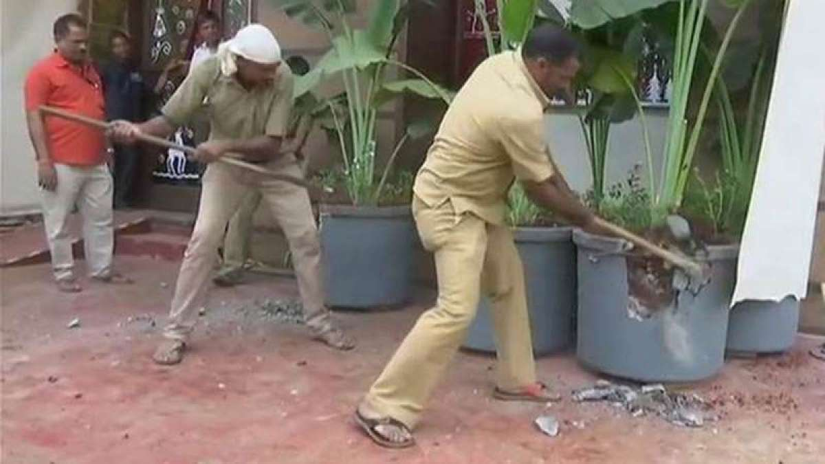 Day after Mumbai pub blaze, BMC smashes illegal structures