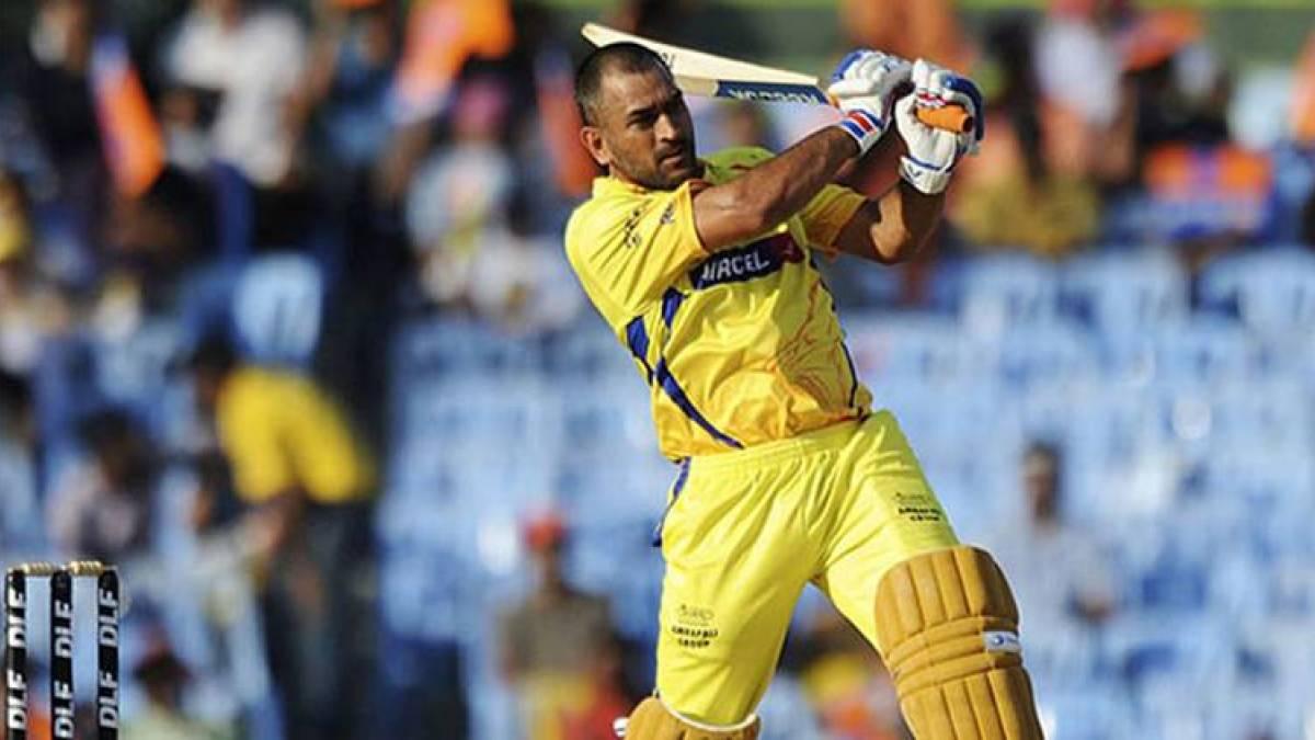 CSK retains Mahendra Singh Dhoni, Suresh Raina; KKR releases Gautam Gambhir for IPL 2018
