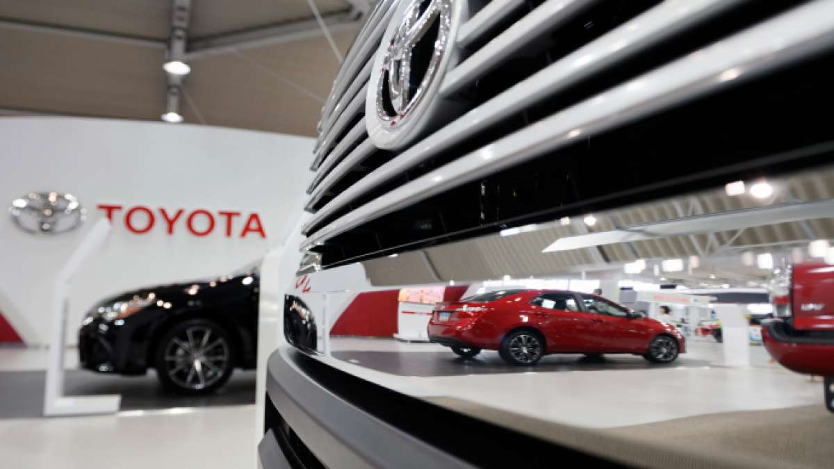 Toyota to recall 181,797 cars in China over an air bag defect