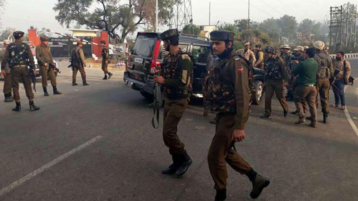 Srinagar: CRPF jawan killed after failed terror strike on camp
