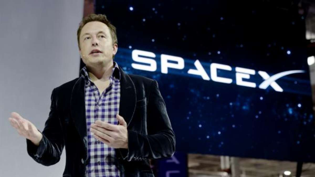 DeleteFacebook: Elon Musk deletes SpaceX and Tesla Facebook official pages