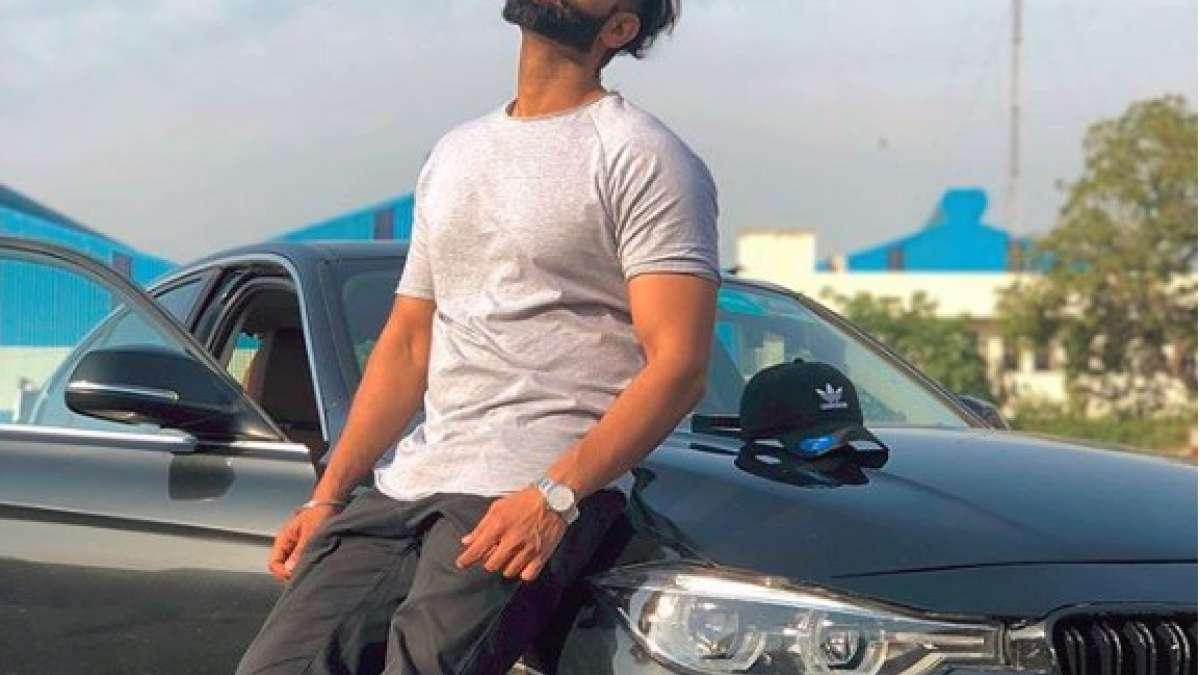 Popular Punjabi singer Parmish Verma shot by gangster in Mohali, gets severely injured