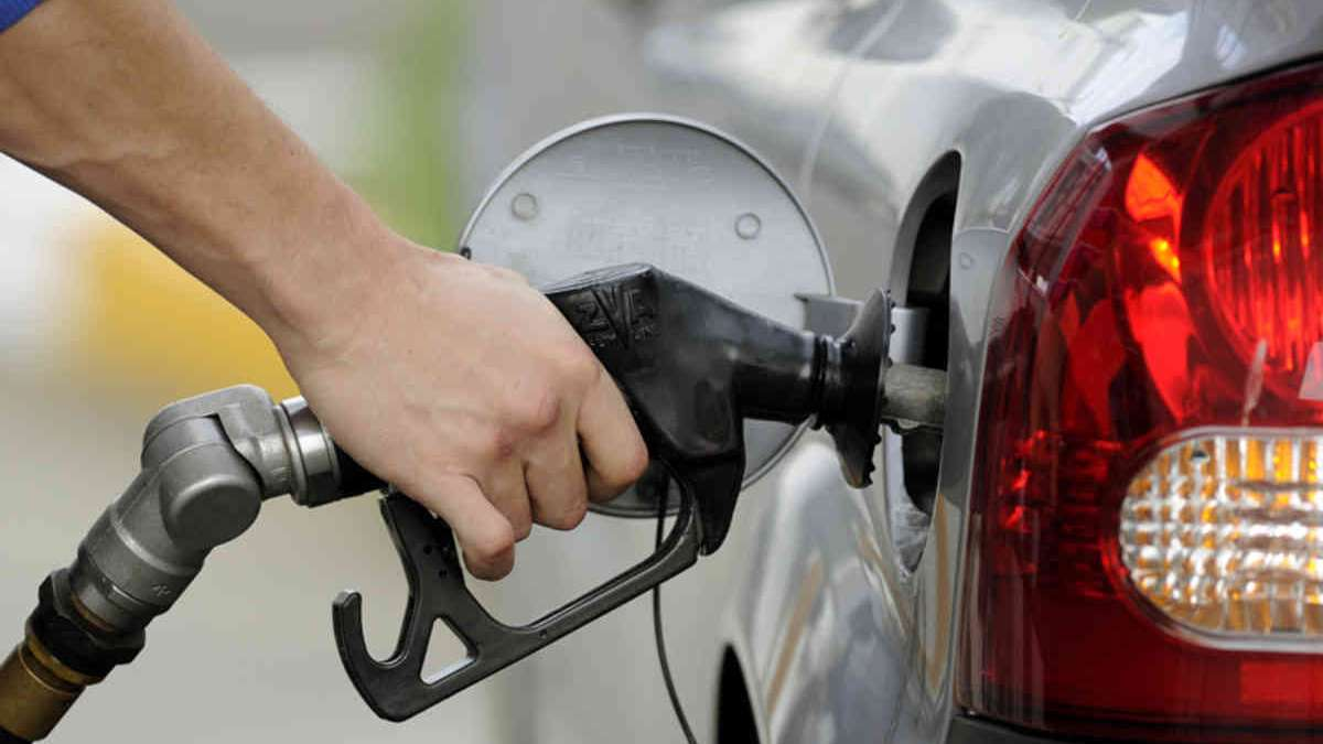 Petrol and Diesel prices unchanged for 9 days, observers cite Karnataka elections