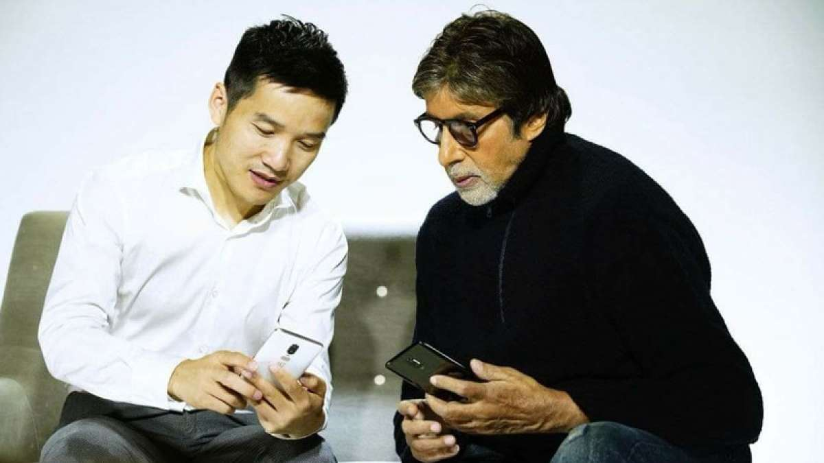 Amitabh Bachchan accidently leaks OnePlus 6 smartphone in pics