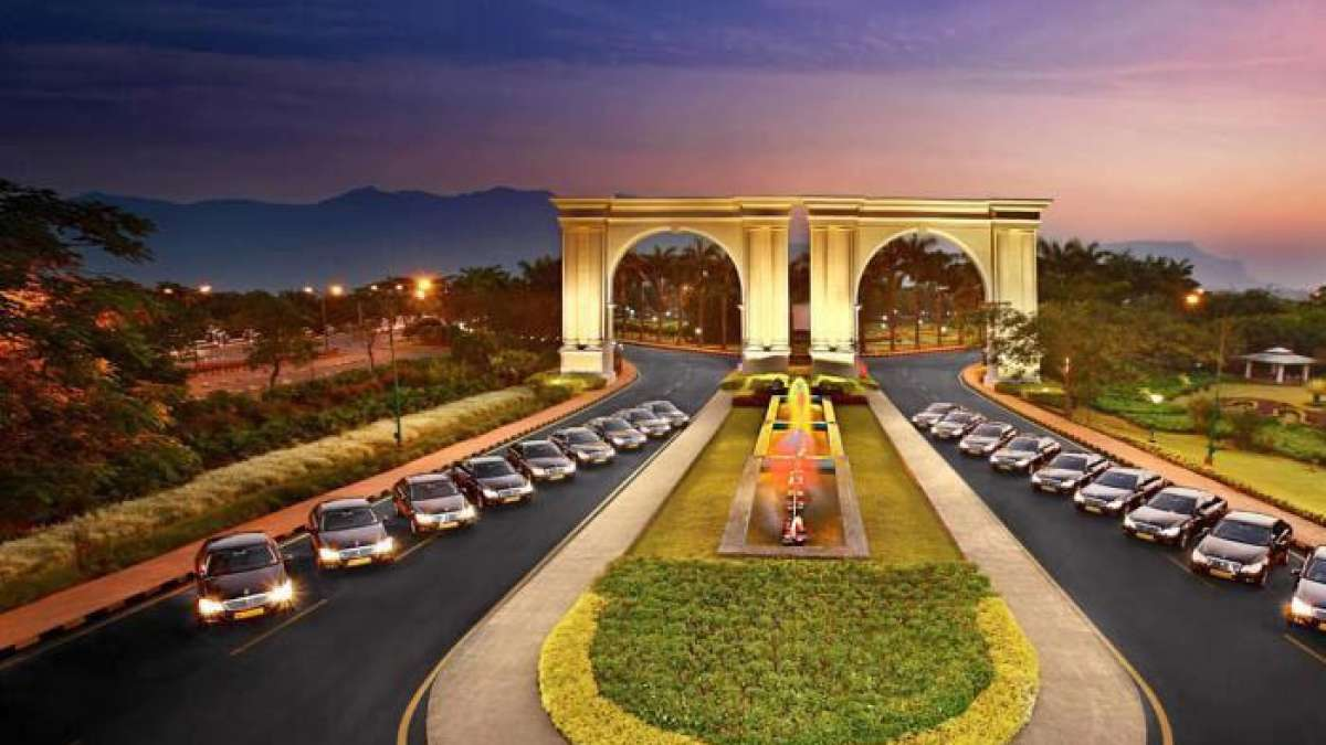 Sahara failed to deposit money, Aamby Valley auction to continue: Supreme Court
