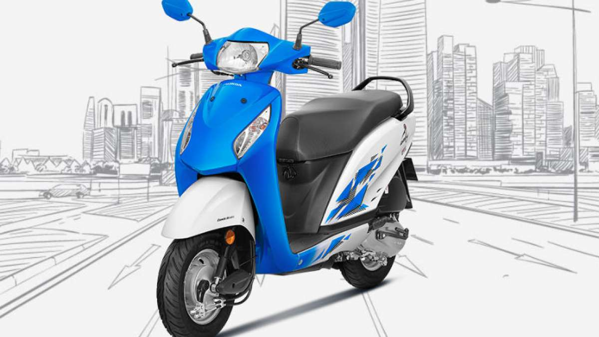 In terms of upgrades, the 2018 Honda Activa-i comes with a revised instrument cluster, metallic exhaust muffler, front storage hook and new body graphics
