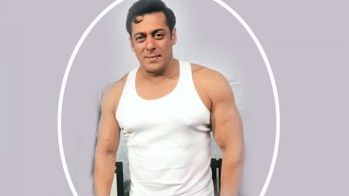 Salman Khan's new leaked photos from Bharat sets 70s look