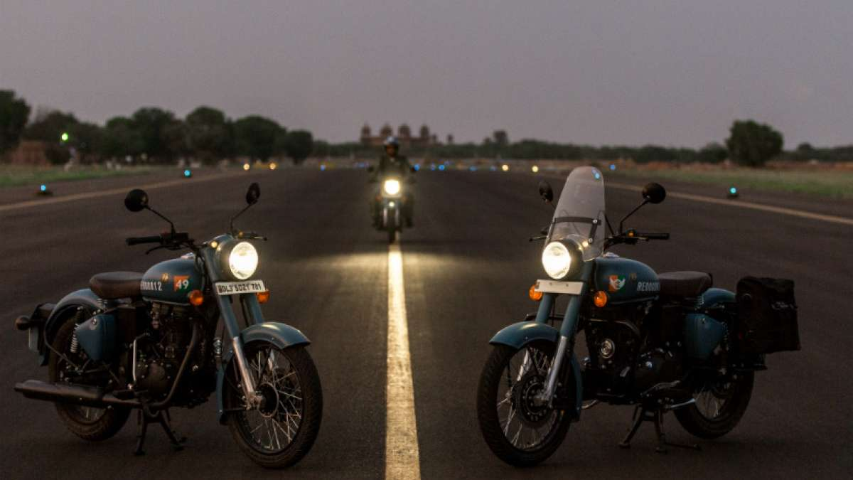 Royal Enfield has launched the Classic 350 Signals Edition in India priced at ₹ 1.62 lakh