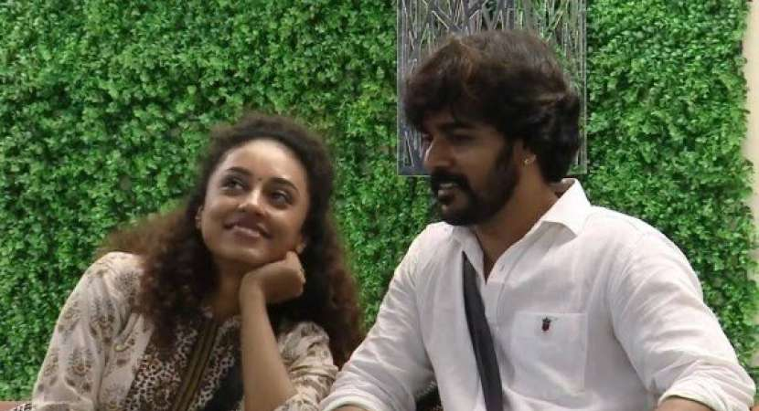Srinish with Pearle Maaney
