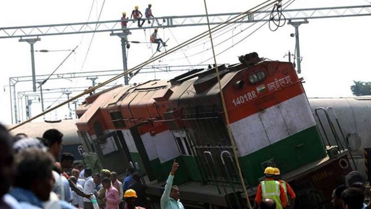 Farakka Express derailed: Indian Railways suspend 2 officials