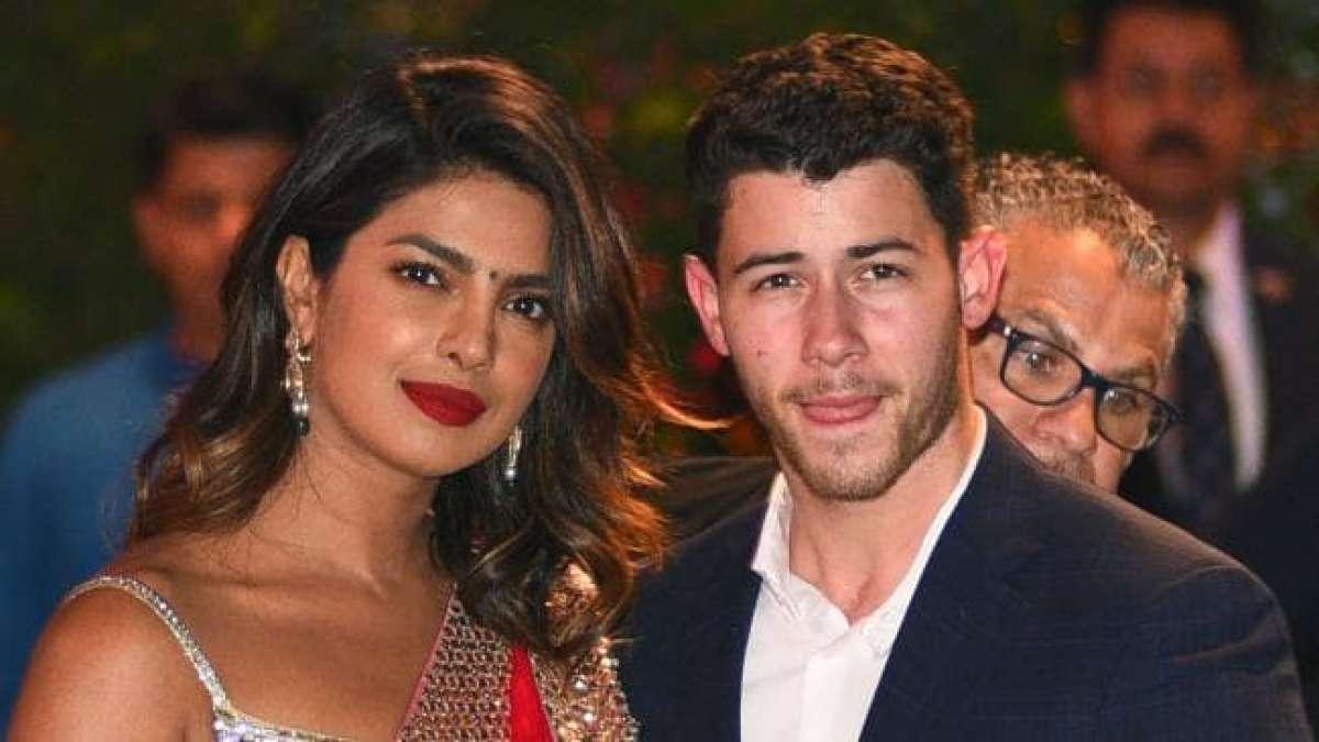 Kiss of love: Priyanka Chopra's latest picture with Nick Jonas