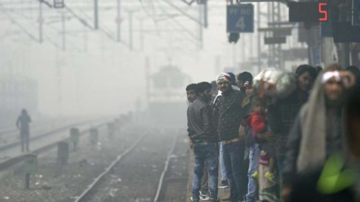 Fog disrupts air, rail traffic; air quality 'severe' in Delhi