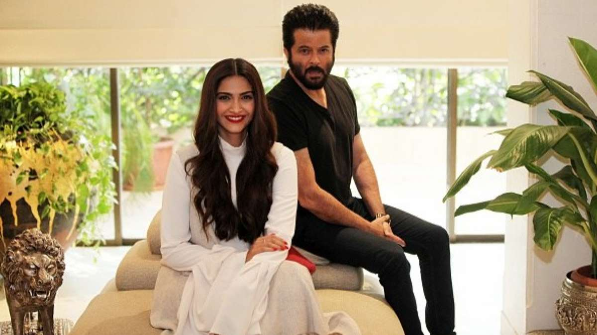 Anil Kapoor wants his daughter Sonam as a female lead in his directorial debut