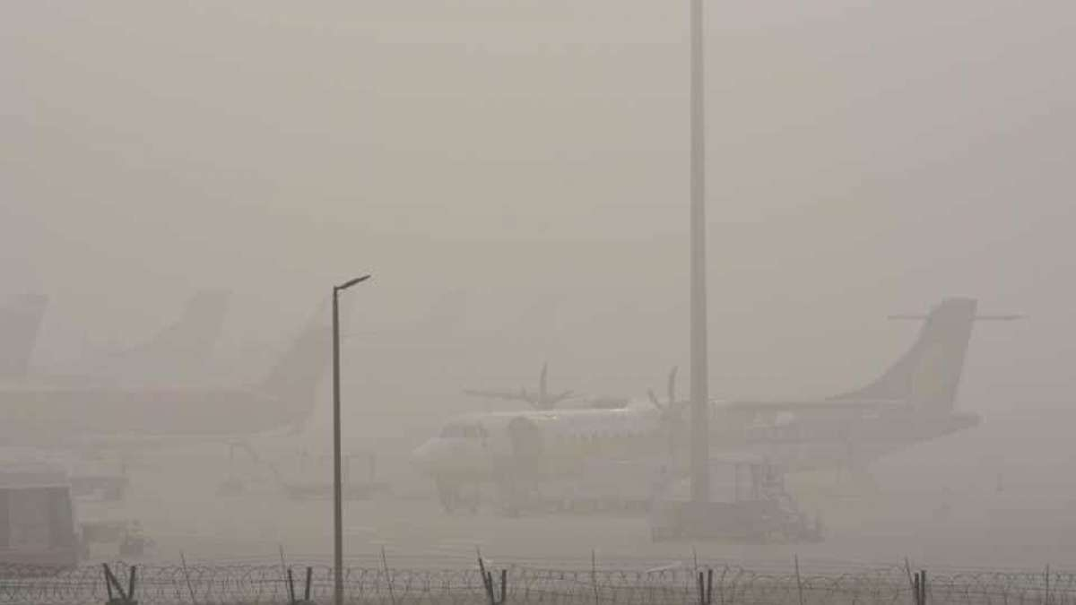 Foggy weather conditions impact air traffic at IGI airport