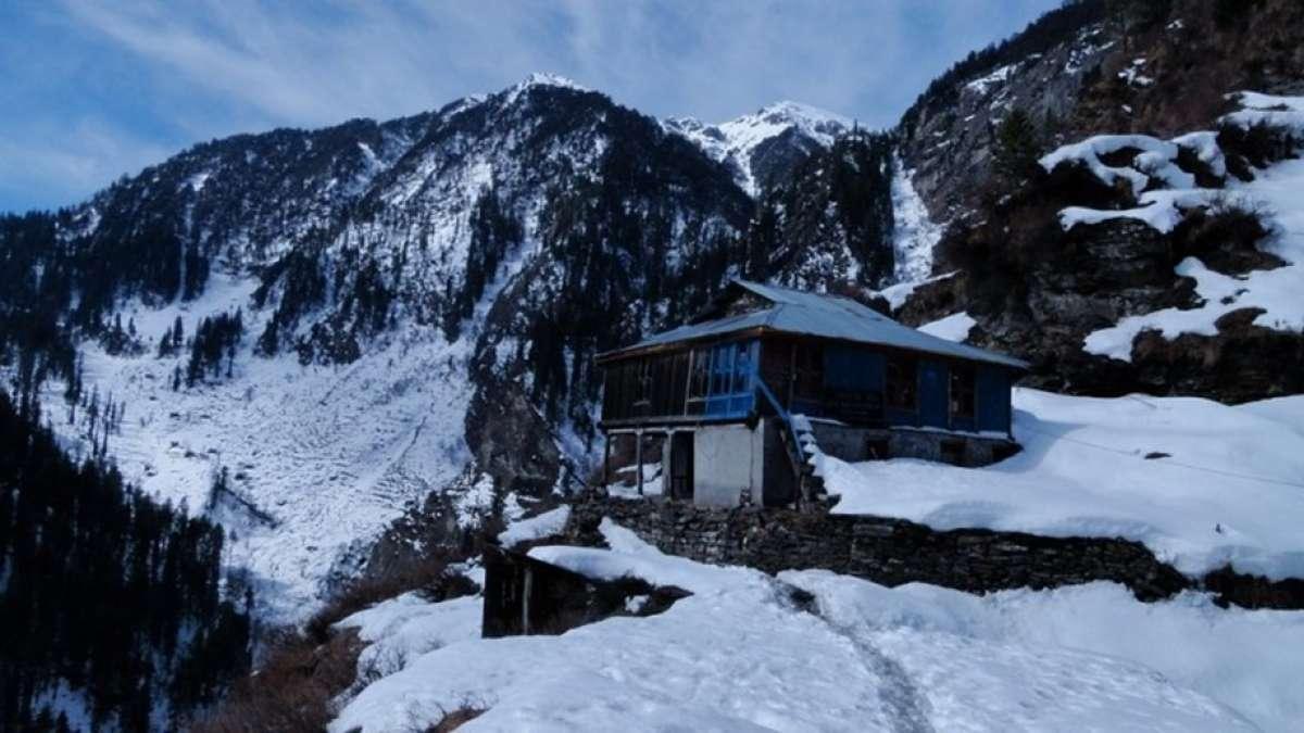Manali, Kalpa in Himachal get snowfall