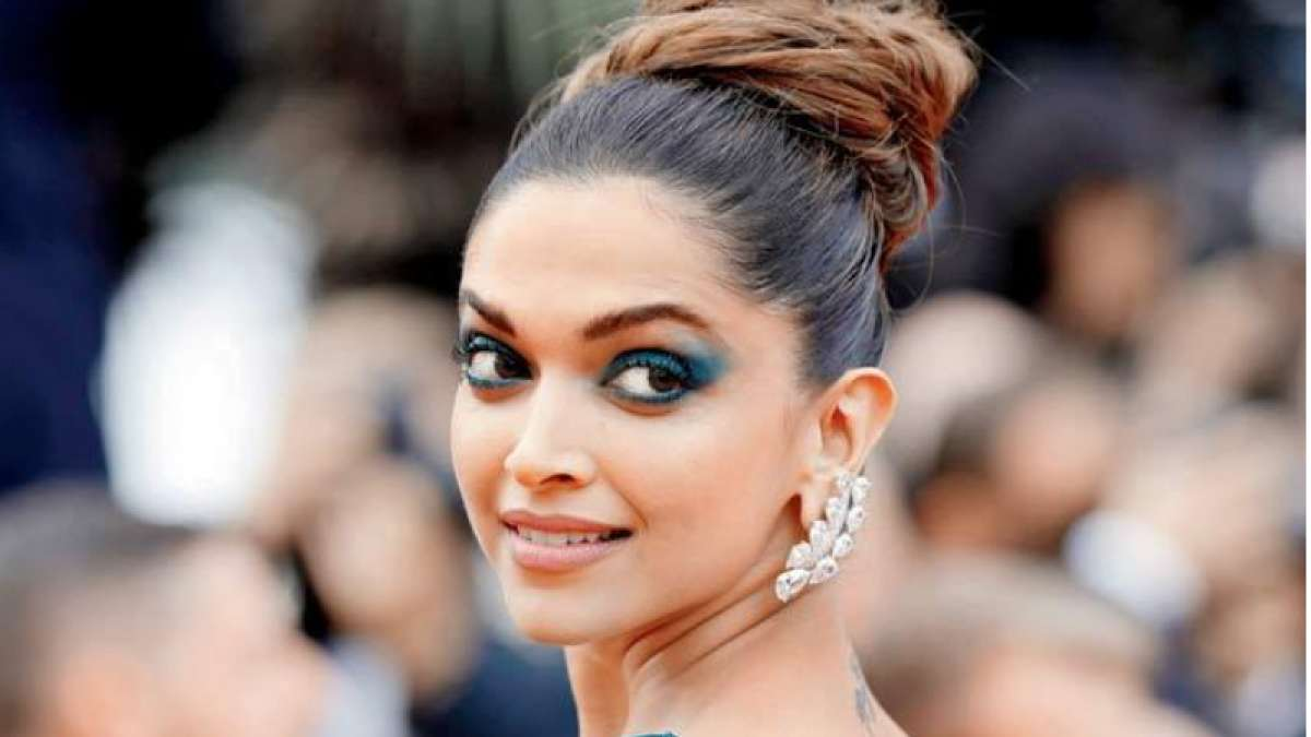 Deepika Padukone turns 33, to make 'exciting' announcement