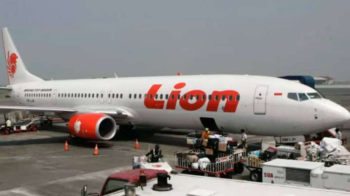 Lion Air aircraft Crash: Indonesia recovers cockpit voice recorder of crashed plane