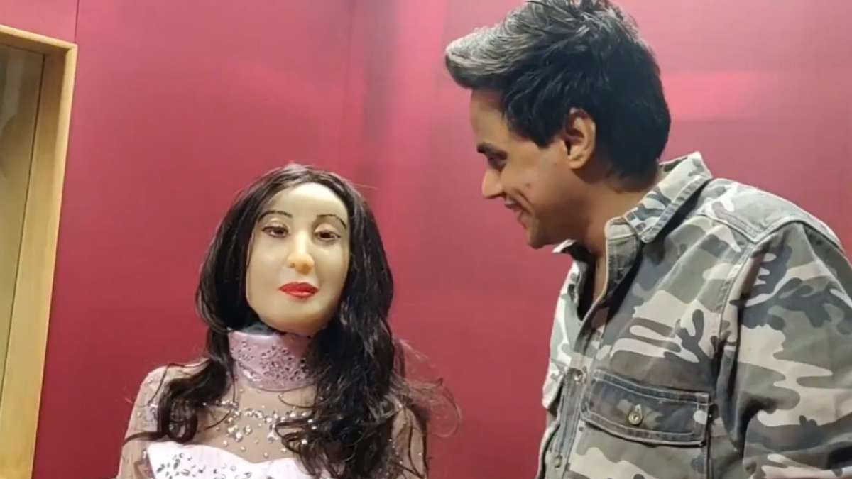 Humanoid Rashmi is close to humans in emotional quotient and could communicate with facial expressions
