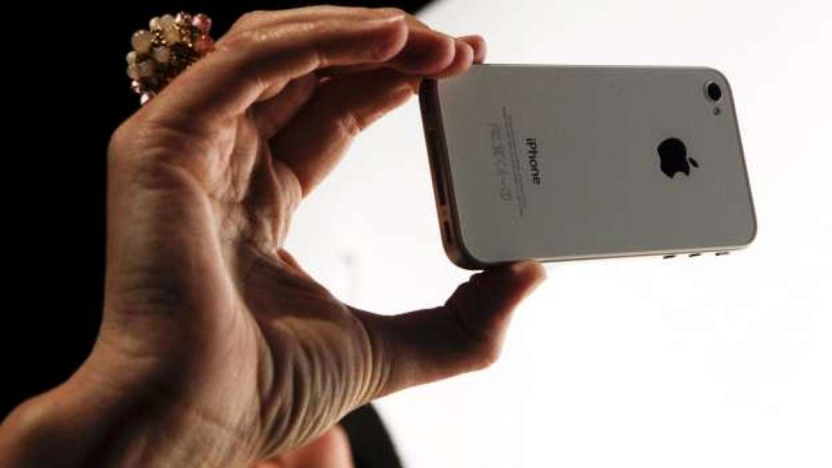 Apple likely to cut iPhone prices to boost falling sales