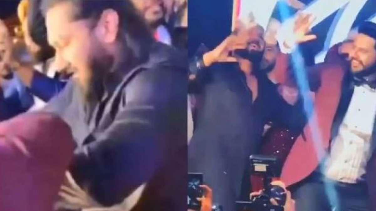 Watch: Yo Yo Honey Singh performs Bhangra at a friend's wedding