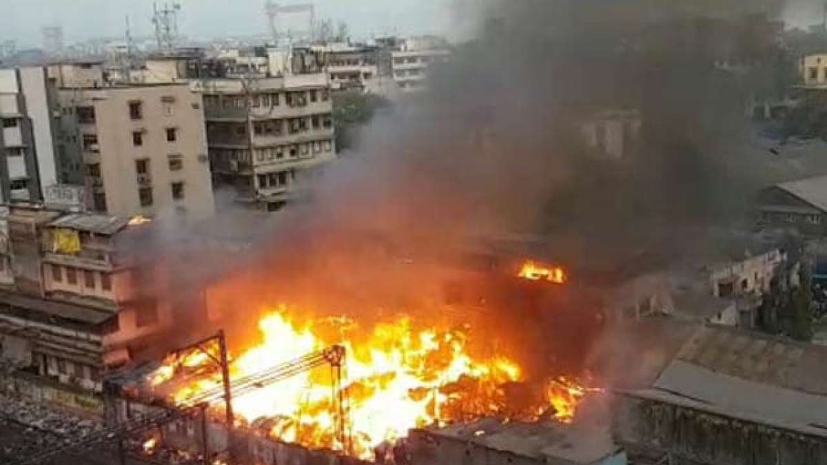 Fire breaks out in Delhi slum, over 200 huts gutted