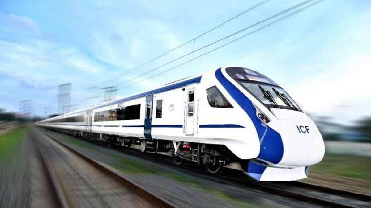 Vande Bharat Express aka Train 18 begins first commercial run
