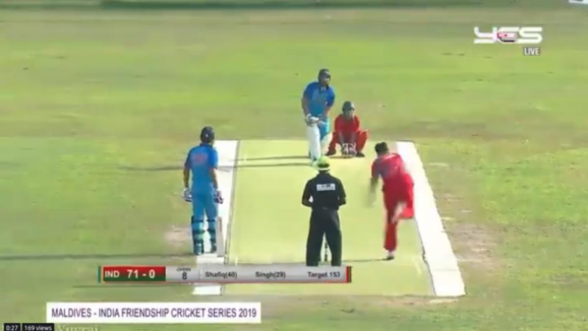 Yuvraj Singh's fresh reverse sweep six is a must watch on internet