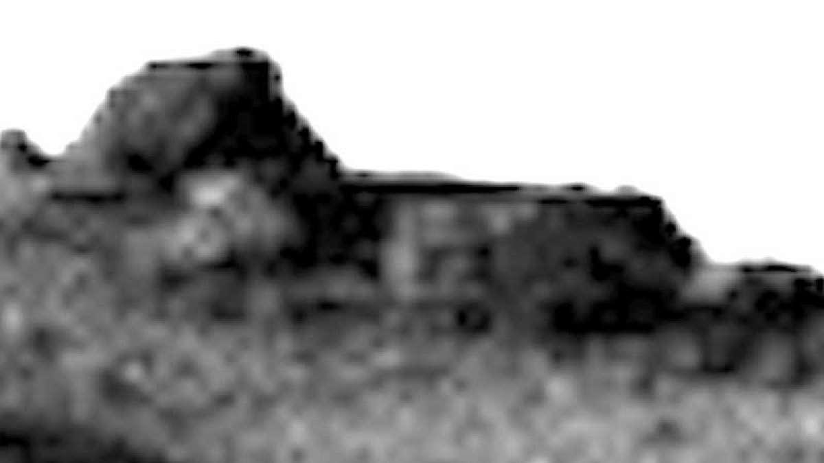 NASA image shows 'alien temple' on Mars?