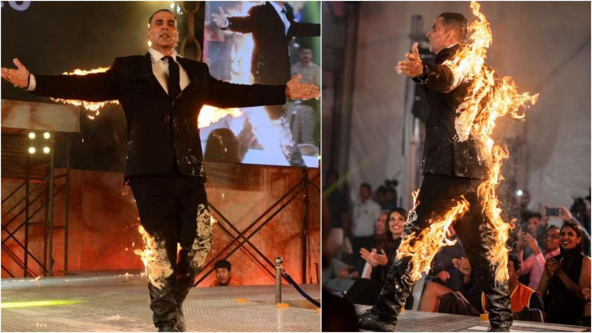 Akshay Kumar stunt on stage