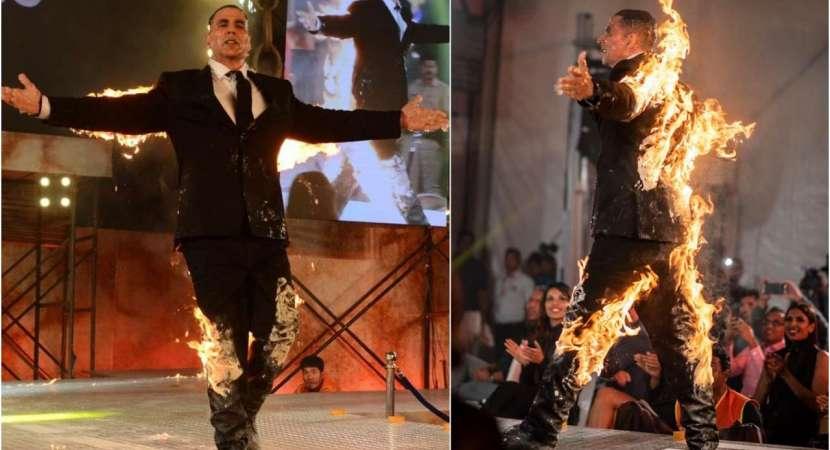 Akshay Kumar stunt on stage