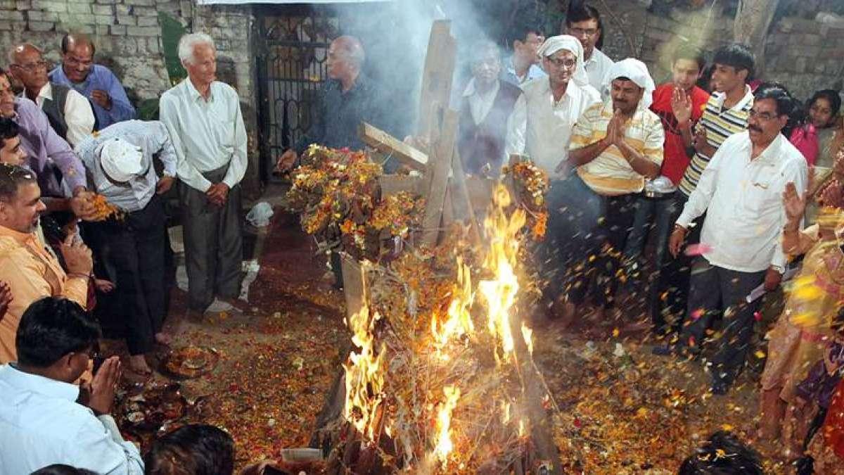 Holika Dahan 2019 Shubh Muhurat, Puja Timings, History Significance