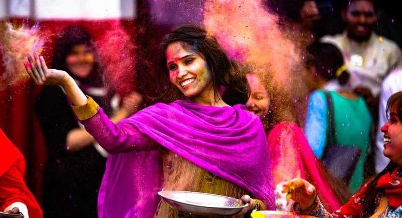 Bhojpuri Holi Song 2019: Watch Famous Bhojpuri Holi songs of Khesari Lal Yadav, Amrapali Dubey, Nirhua