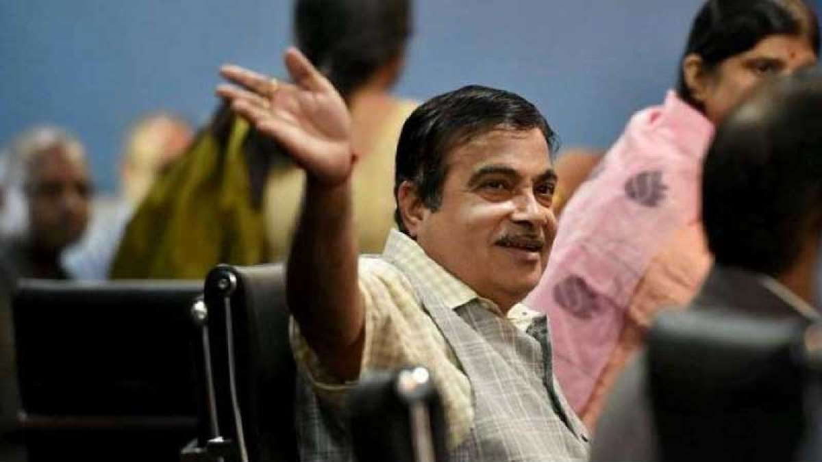 Gadkari holds talks with BJP, MGP leaders to select new Goa CM