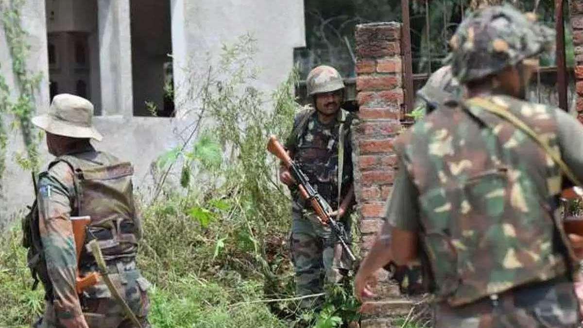 US-made rifle found with top Jaish terrorist body hints Pakistan's link in J&K gunfight