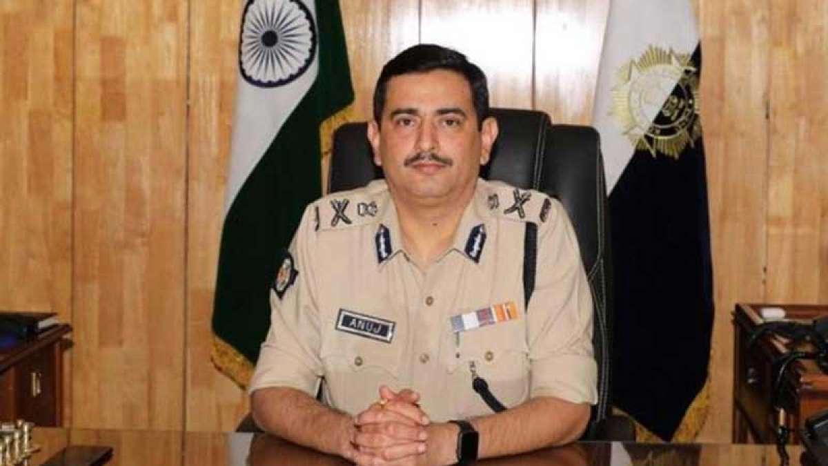 Election Commission replaces Kolkata Police commissioner Anuj Sharma