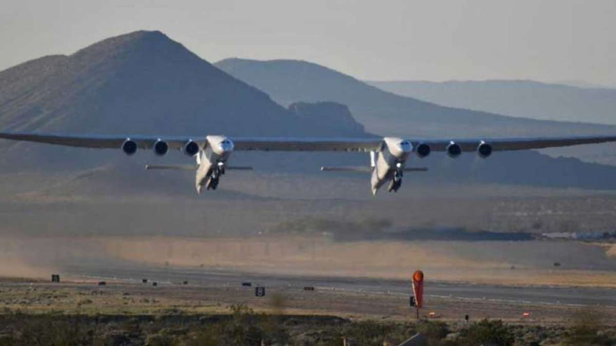World's largest airplane makes test flight, can deploy satellites in space