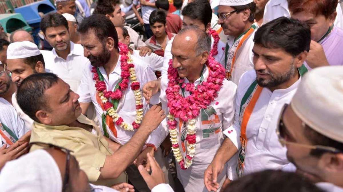 Congress candidate JP Agrawal conducts Padyatra to reach out to the voters in Chandni Chowk constituency