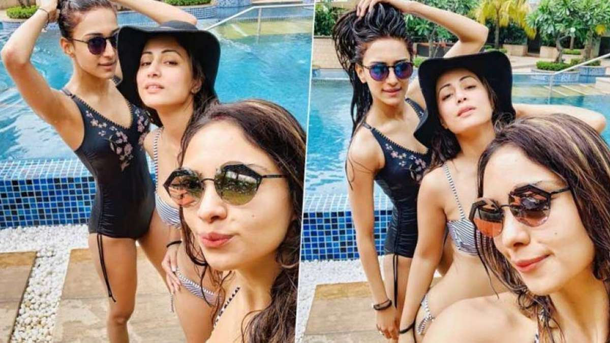 Inside the pool, Hina Khan raises temperature with Pooja Banerjee