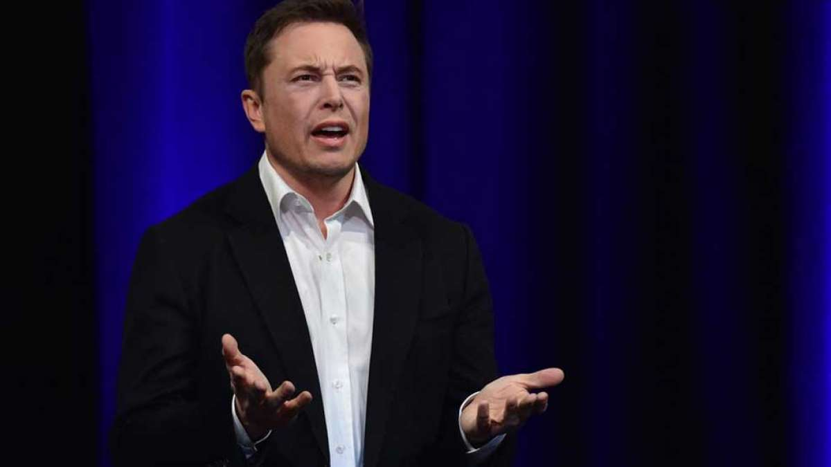 Elon Musk in trouble for calling a cave diver a pedophile