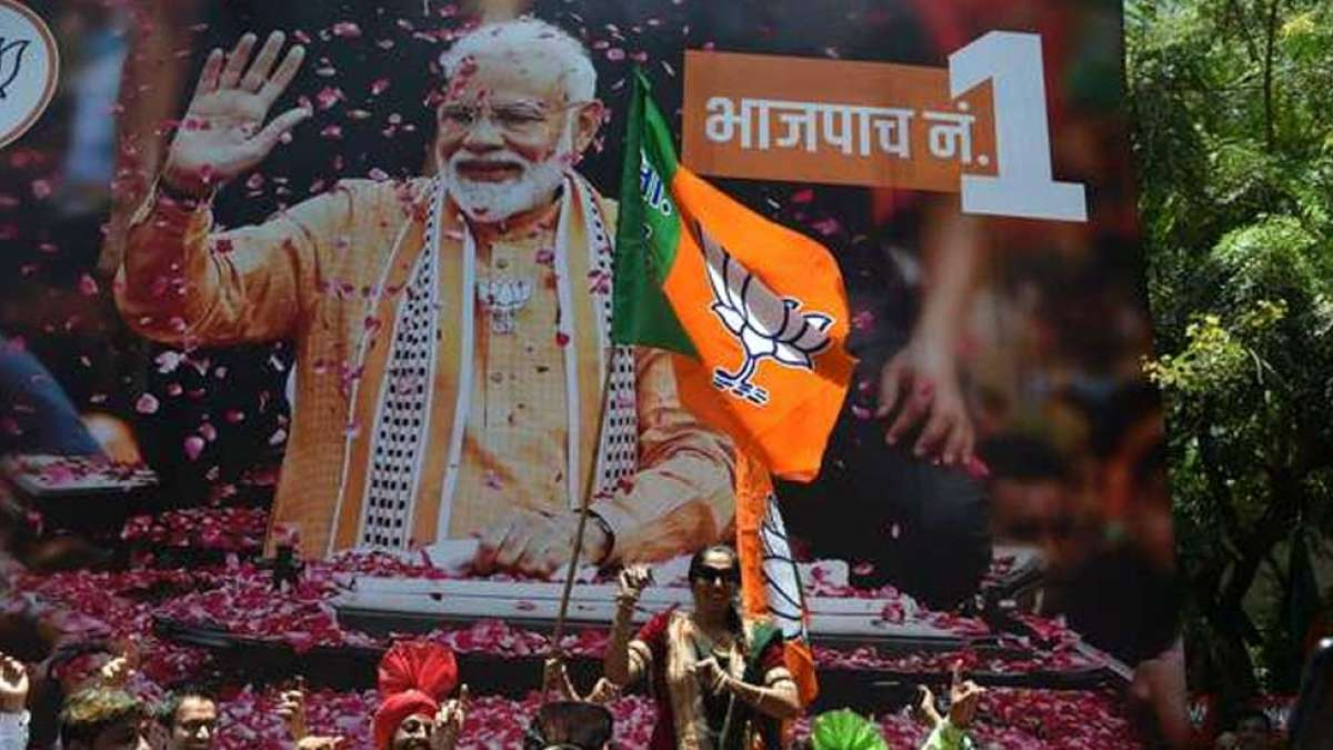 Modi 2.0 wave sweeps India, reaches 350 mark to claim majority