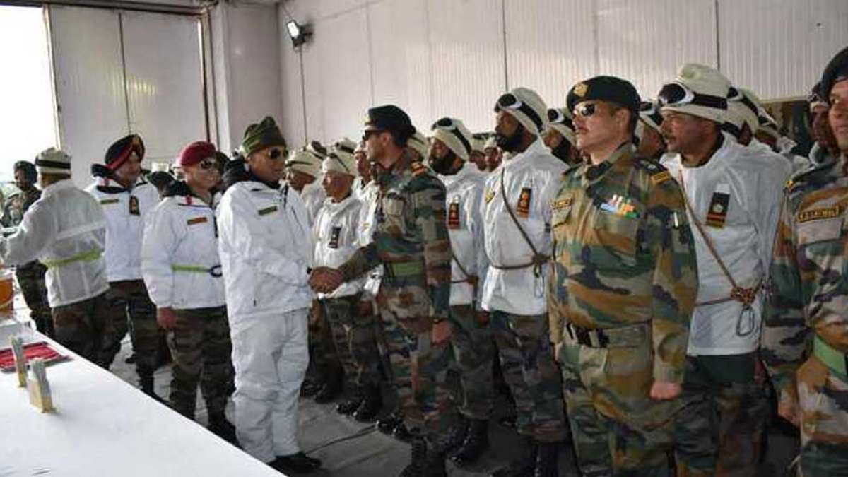Defence Minister Rajnath Singh asks Army in Siachen to reply any misadventure by Pakistan