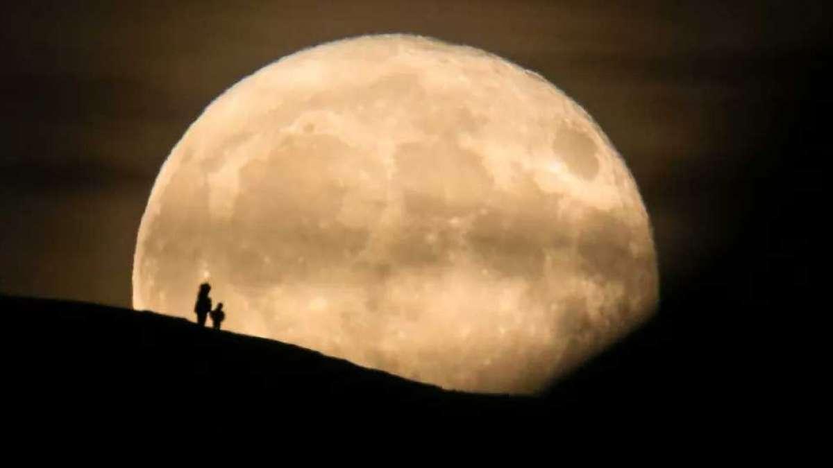 Donald Trump asks NASA to shift focus from Moon to Mars