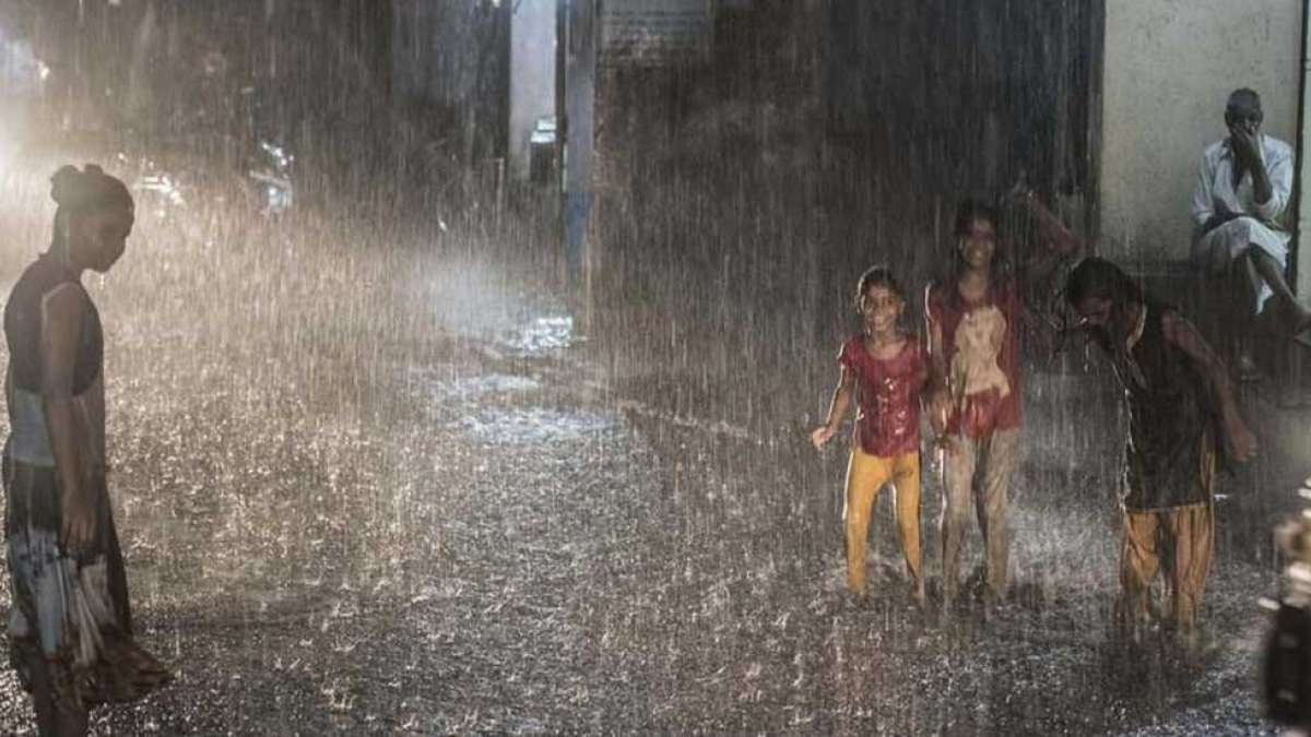Monsoon reaches Mumbai; 2 kids electrocuted, flights and train services hit