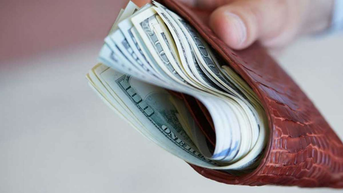 Keeping more money in wallets make it safe: Study