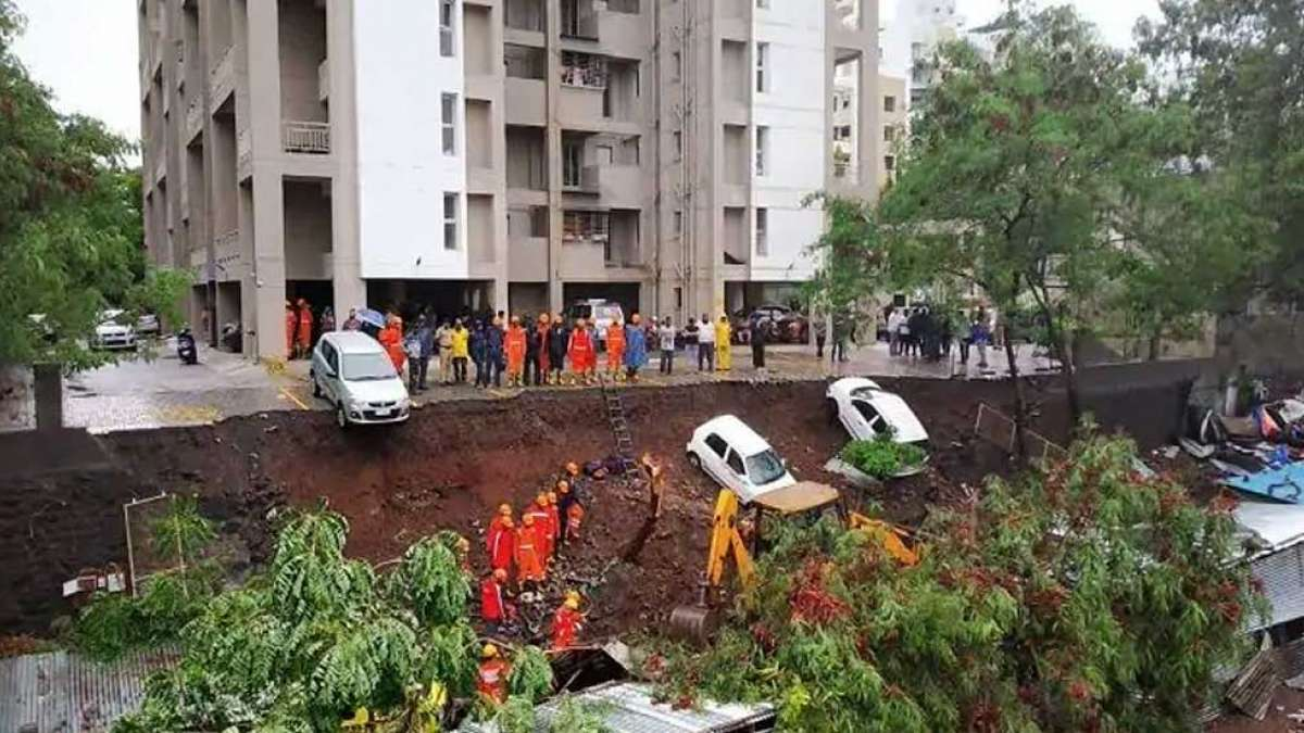 Pune: 15 killed, including 4 children after wall collapse in Kondhwa