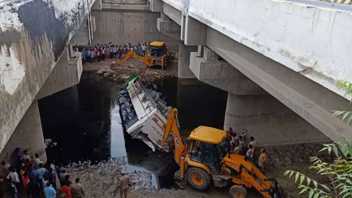 Bus accident on Yamuna Expressway, 29 passengers killed