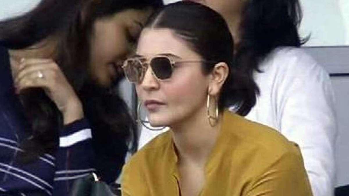 Anushka Sharma memes: 'Ye four ka signal kya hota hai', Twitter laughs out loud