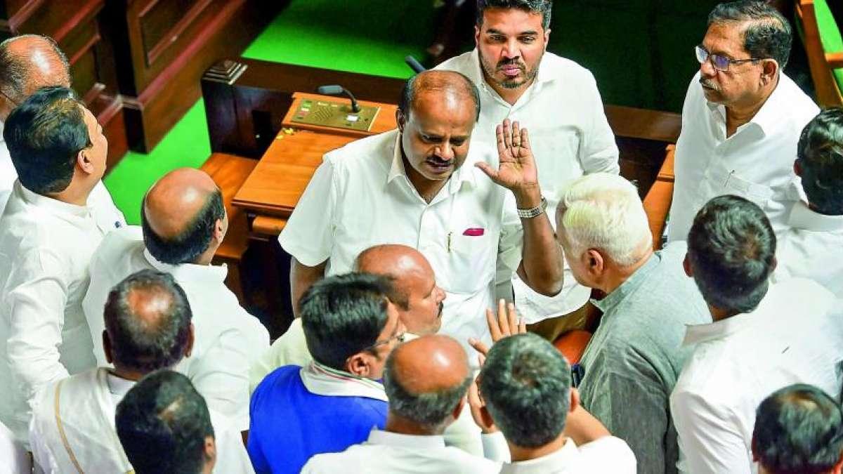 New twist rocks Karnataka ahead of Yeddyurappa's trust vote