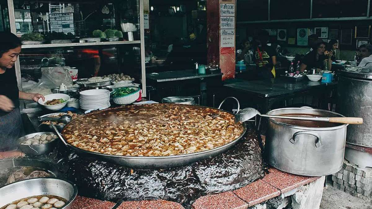 Bangkok-based restaurant serves soup cooking for over 45 years