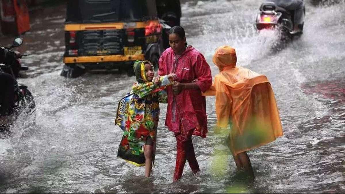Heavy rainfall to continue in Mumbai: MeT department
